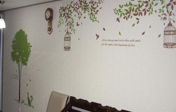 Một số hình thực tế dán decal trên giấy dán tường