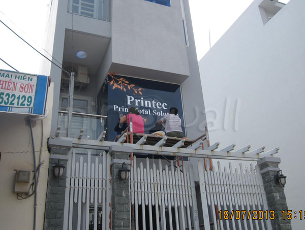 """""""Bức bình phong"""" chống nắng tại VP Printec"""